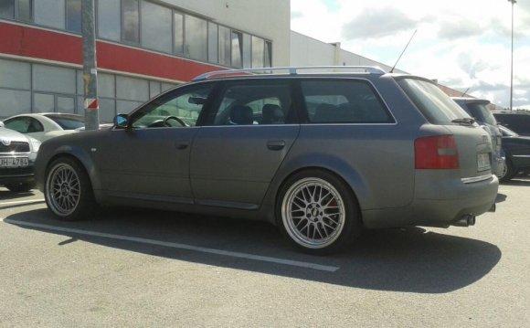 Авто Audi S6 2001