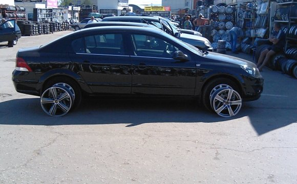 Opel Astra H Z18XER (седан)